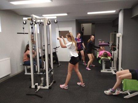Zajęcia WF na siłowni