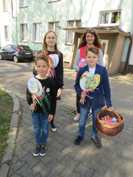 Wielkanocne odwiedziny pensjonariuszy DPS-u w Chumiętkach
