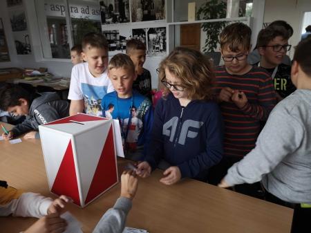 Lekcja demokracji - wybory do Rady Samorządu Uczniowskiego