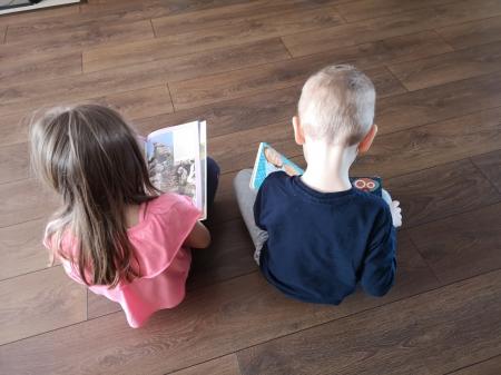 Zostań w domu i... czytaj książki